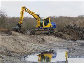 De duinen gaan op de schop. Foto Koos Dijksterhuis